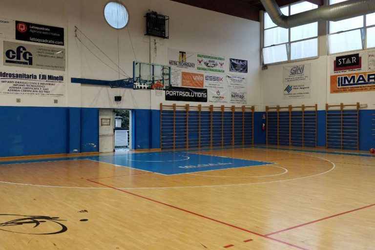 parquet di pallacanestro vuoto